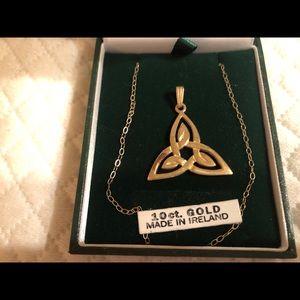 Ireland 10kt Gold Necklace w/Trinity Knot Pendant